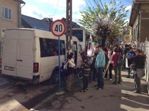 Microbus_CJ_37_ROD_Protestarari_coboara_h.13_14_254359