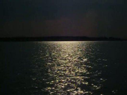 94560.noaptea_pe_lac.ss_1.jpg